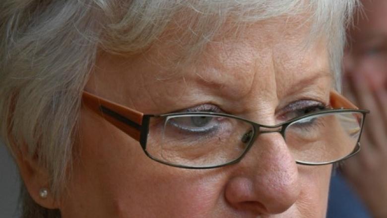 Das Bild zeigt Ratsmitglied a.D. Christa Suda