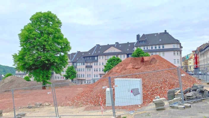 Das Bild zeigt das Areal von Block 1 nach dem Abriss der Altbauten.