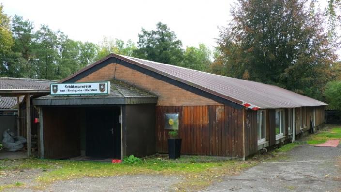 Das Bild zeigt das Vereinsheim des Emster Schützenvereins.